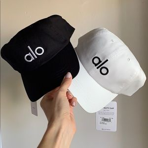 ALO Yoga Cap - set of 2